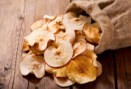 В чем лучше хранить сушеные яблоки в домашних условиях. Правила хранения и сроки годности