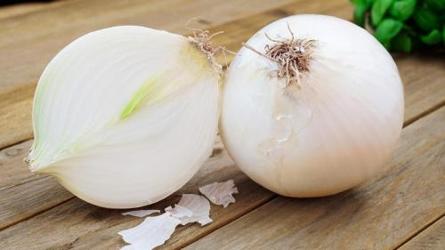 Салатный белый лук. Для чего можно использовать белый лук